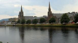River Ness mit Uferpromenade
