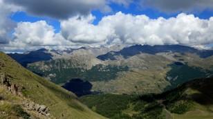 ... auch hier Berge, Berge, Berge