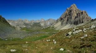 ... mit einer fantastischen Gebirgslandschaft