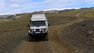 Im Hintergrund der Mýrdalsjökull