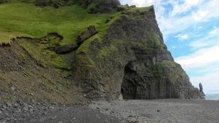 Höhle aus Basalt