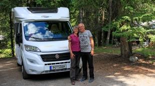 """Marion und Bernd wollen ebenfalls die Panamericana fahren. Mittlerweile haben wir uns wiederholt getroffen und eine schöne Zeit miteinander gehabt. Wir hoffen, dass wir uns auch weiterhin immer mal wieder über den Weg """"fahren"""". www.zimmitour-erlebnispur.de"""