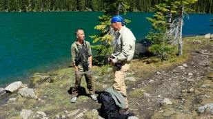 Richard haben wir im Kananaskis Country am Upper Lake getroffen. Wir haben von ihm so viele Tipps für unseren Aufenthalt erhalten, die wir leider nicht alle umsetzen können. Richard ist als Guide unterwegs und wir glauben, dass eine gemeinsame Tour mit ihm zu einem unvergesslichen Erlebnis wird.