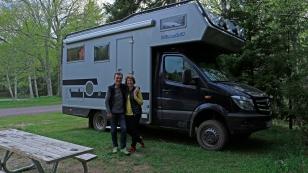 Christine und Ralf sind mit ihrem 4×4 bimobil für ein Jahr in Nordamerika unterwegs. Das erste Mal haben wir sie im Hafen von Halifax bei der Autoabholung getroffen und nun im Fundy Nationalpark.