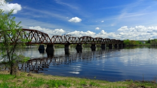 Bill Thorpe Walking Bridge