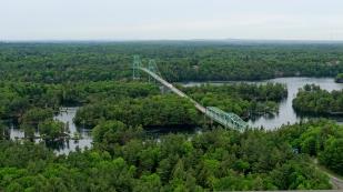 ...mit der Thousand Islands Bridge