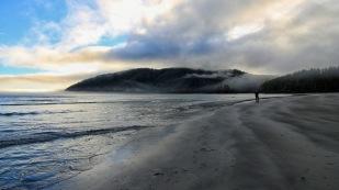 Wolkenspiel in der San Josef Bay