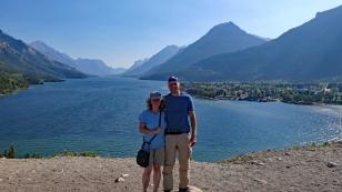... und vom Hotel auf den Waterton Lake
