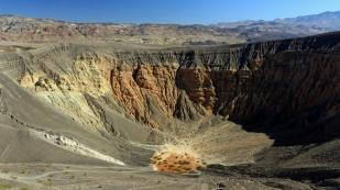 ...des Kraters