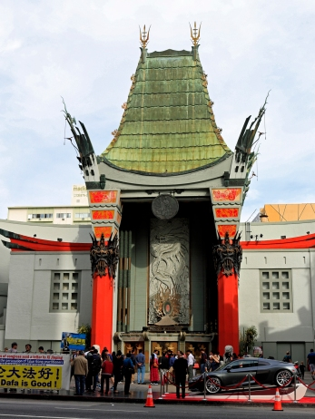 Mit dem TLC Chinese Theatre...