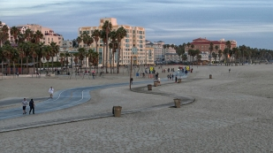Promenade in Santa Monica...