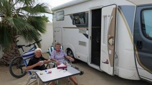 """Silvia und Marita bereisen mit ihrem Wohnmobil für ein Jahr Nordamerika. Gemäß ihrem Motto """"Hetzt uns nicht"""", genießen sie die Landschaften und gewonnene Zeit. Leider geht es für die Beiden schon wieder Richtung USA und bald wieder nach Deutschland. www.wohnmobiltourusacan.de"""
