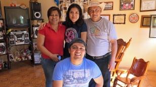 Awi mit seiner Familie