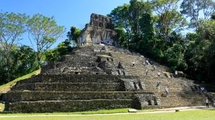 Steil geht es auf den Templo de la Cruz