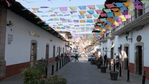 Auch in Valle de Bravo sind die Straßen geschmückt