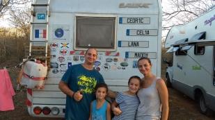 Cedric, Celia, Lana und Maddy aus Frankreich haben wir inzwischen schon mehrmals in Mexiko getroffen. Sie haben alles verkauft und sind nun mit ihrem Wohnmobil ebenfalls auf der Panamericana unterwegs. http://mafamilleenballade.simplesite.com