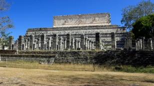 Templo de los Guerreros und Grupo de las Mil Columnas