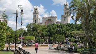 Plaza Grande mit der Kirche