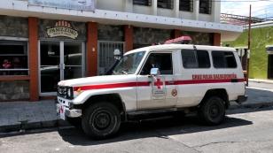 Auch das Rote Kreuz fährt Landcruiser