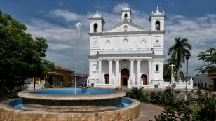 Kirche an der Plaza...