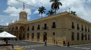 ...und dem Rathaus