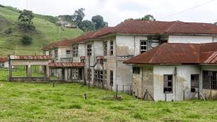 ...später diente es wohl auch als Waisenhaus..
