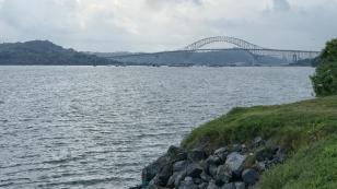 Die Puente de las Américas überspannt den Panamakanal