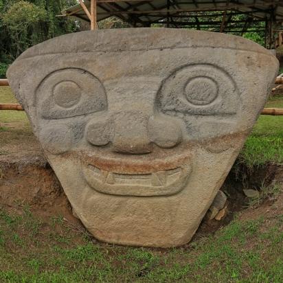 ...mit einfachen Steinwerkzeugen...