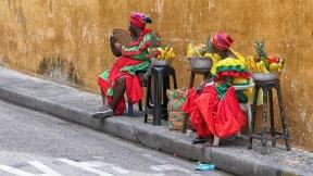 Bei diesen Damen gibt es frisches Obst zu kaufen
