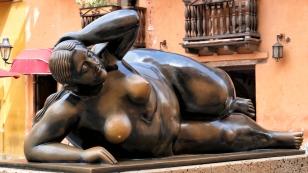 Skulptur des kolumbianischen Malers und Bildhauers Botero