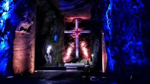 das größte steinerne unterirdische Kreuz der Welt