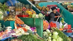 Es gibt reichlich Obst und Gemüse..