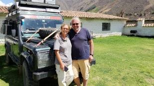 Mit Michaela und Günter stehen wir schon seit April 2017 in Kontakt, haben es aber bisher nicht geschafft, uns zu treffen. Nun hat es endlich in Cuenca geklappt. Die Beiden sind mit ihrem Defender ebenfalls von Nord nach Süd unterwegs. https://www.facebook.com/Mozart4x4/