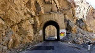 Es geht durch viele Tunnel