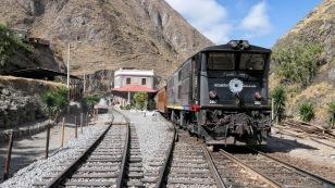 Im Bahnhof von Sibambe
