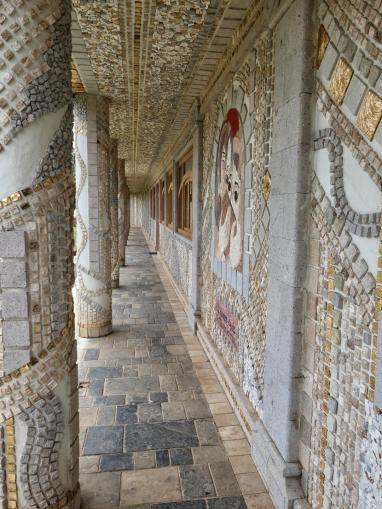 Auch hier überall Mosaikarbeiten