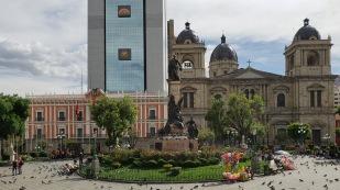 Alter und neuer Präsidentenpalast sowie Kathedrale