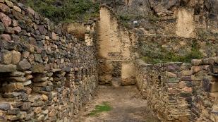 Die Mauern sind ohne Mörtel errichtet.