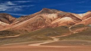 ...und farbenfrohe Landschaften...