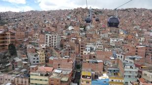 Wieder geht es über die Dächer von La Paz
