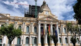 Am Parlamentsgebäude ticken die Uhren anders