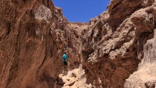 Es geht durch einen kleinen Canyon...
