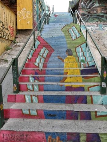 Auch die Treppen zeigen kleine Kunstwerke.