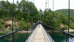 Ziemlich wacklig die Brücke