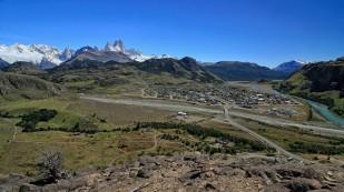 Blick auf El Chaltén und die Berge