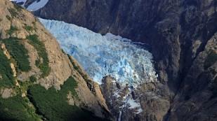 Gletscherzunge in der Ferne