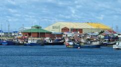 Der kleine Hafen von Porvenir