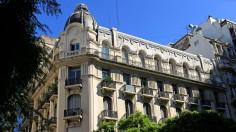 ...gibt es architektonisch schöne Gebäude.