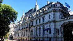 Palacio Paz, hier sind eine Offiziersvereinigung und das nationale Waffenmuseum untergebracht.