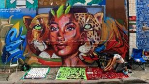 ...wieder mit vielen Graffitis...